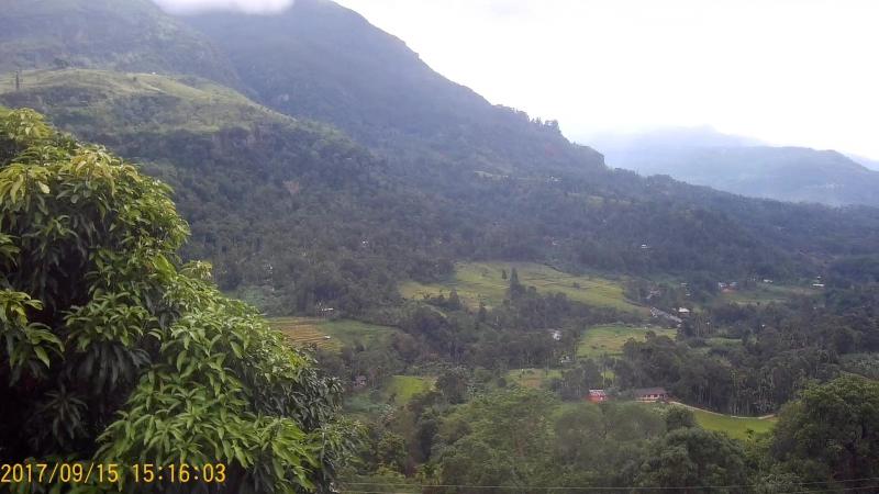 В горах Шри-Ланки, до облаков можно дотянуться рукой