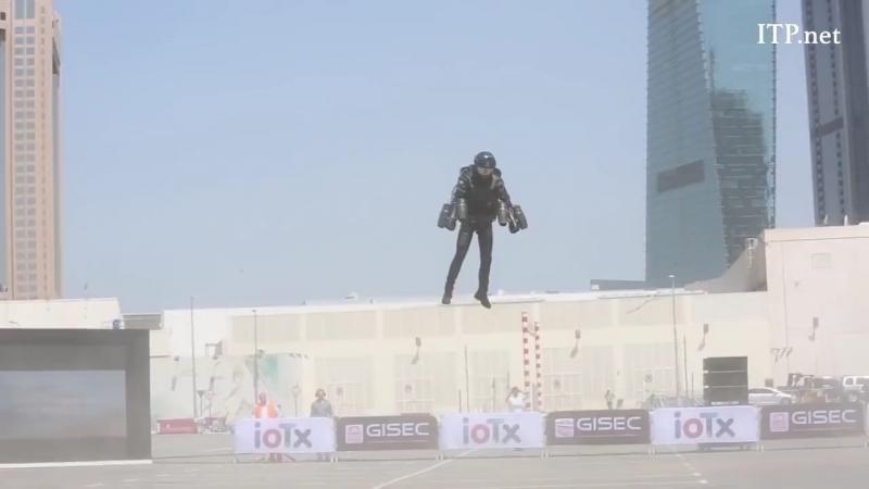 В Дубае представили ракетный ранец, который способен развивать скорость 100 км/ч. Постепенно погружаемся в GTA. Код ROCKETMAN уж
