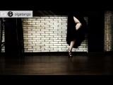 Аргентинское танго. Импровизация у бара танцевального клуба GallaDance Guru centre члена клуба Ольги Мокрушиной
