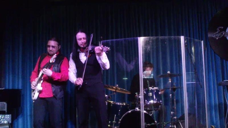 Красная скрипка. Музыкальная шутка