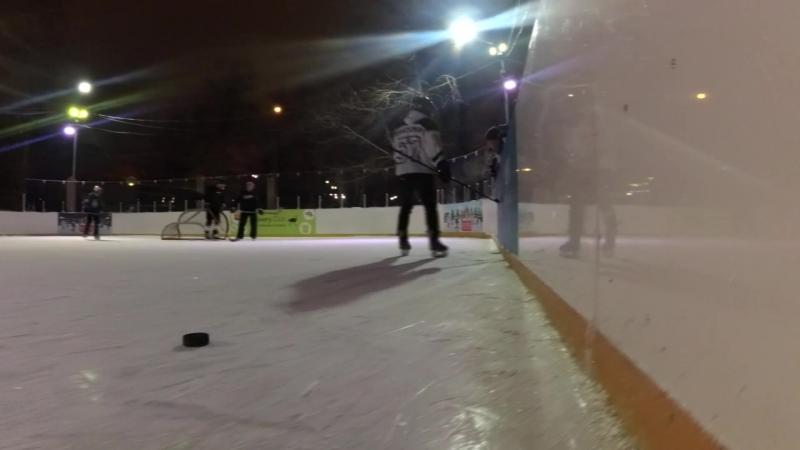 Уличный хоккей в Парке Красная Пресня (Москва, 2017)