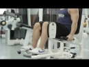 Упражнения для ног Разведение ног в тренажере