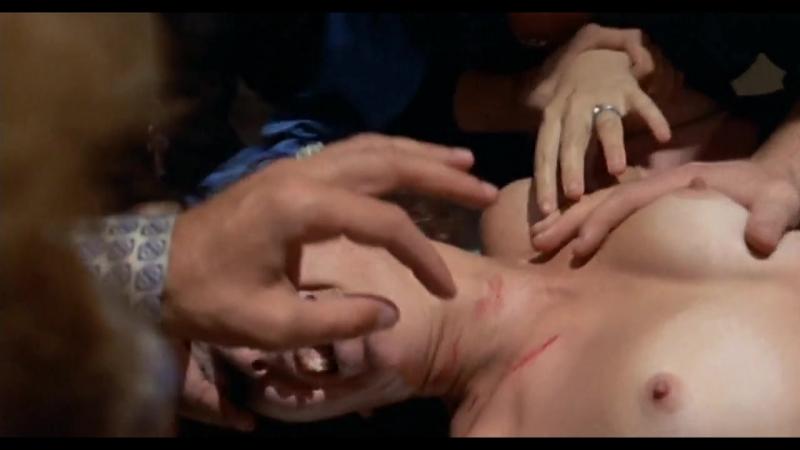 сцена насилия(групповое изнасилование, rape) из фильма: I ragazzi del massacro(Кровавые мальчики) - 1969 год, Nieves Navarro » Freewka.com - Смотреть онлайн в хорощем качестве