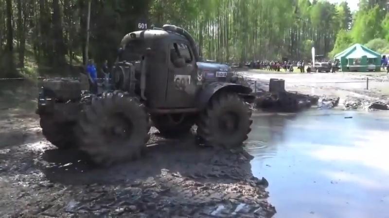 Гонки грузовиков по грязи 2017 (HD)