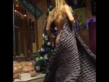 Анастасия Ивановская голая около ёлки