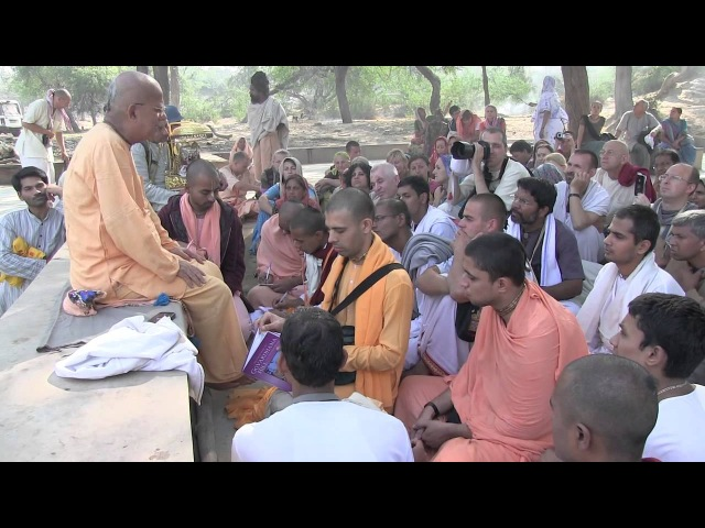 H.H. Gopal Krishna Goswami. Govardhan Parikrama and Lectures. Kartika 08.11.2011