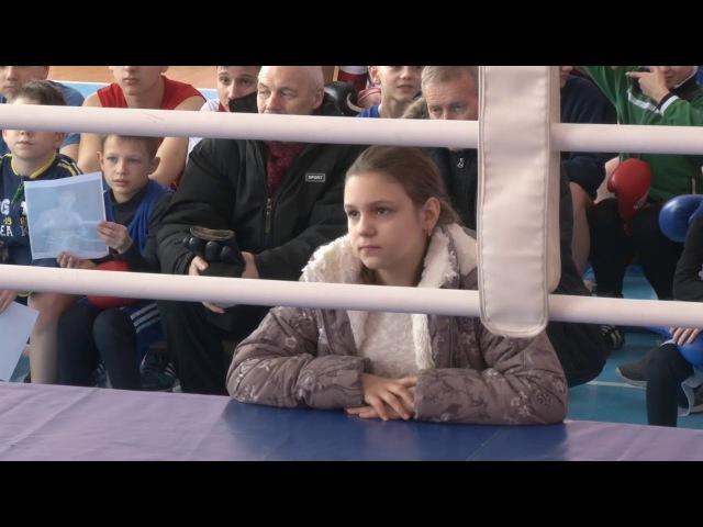 Сюжет ТСН24: Боксер Дмитрий Пирог провел мастер-класс в Ефремове