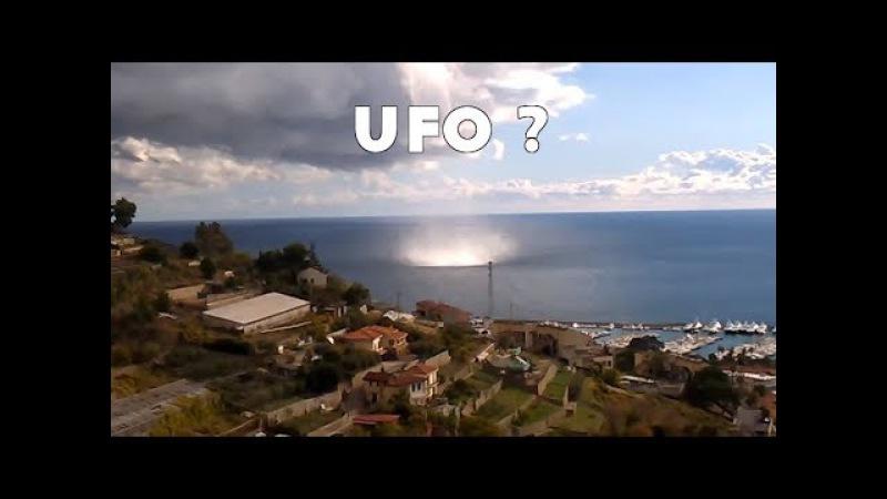 Tromba marina Tromba d'aria Sanremo UFO che impedisce il vortice di Sanremo in Italia 1 12 2017
