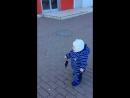 Андрюха топает в сапогах :)