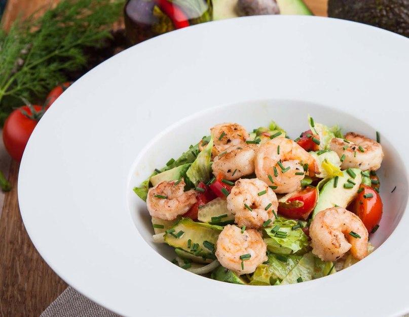 Большой опрос для тех, кто любит салаты так же сильно, как мы!😏   А если вы почему-то не разделяете нашей любви – приходите в «Вашу Кухню» и пробуйте вкуснейши