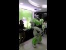 """В рабстве майи, """"я"""" - танцующий робот."""
