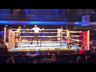 Британский Боксер Harvey Horn прям рвется в бой, что забыл снять футболку)