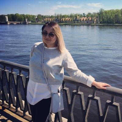 Лена Дмитриева