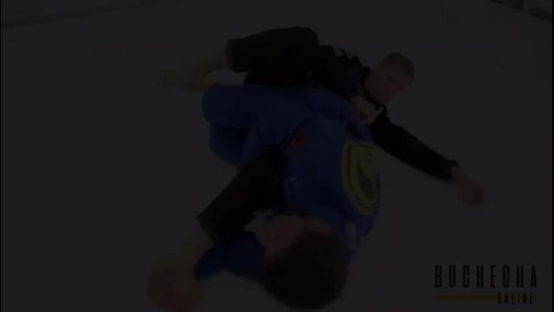 Marcus Almeida и рычаг колена