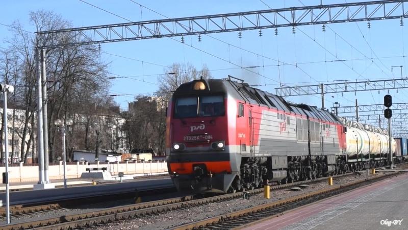 2ТЭ25КМ-0114 / Дизель-поезд ДР1Б-514/513