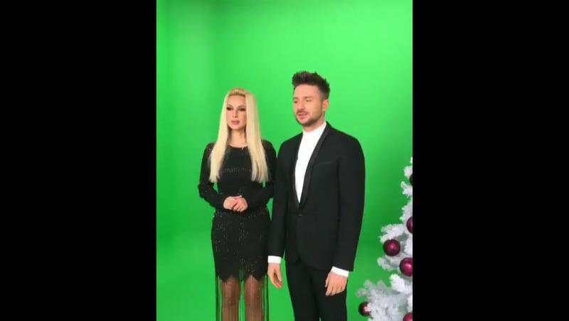 Лера Кудрявцева не стесняется задирать юбку перед Сергеем Лазаревым