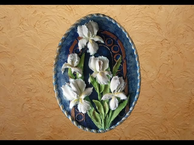 Ирисы. Скульптурная живопись и пастель в сочетании с трафаретной живописью и золочением.