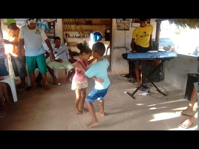 Essas Crianças Já ''Nasceram'' Sabendo Dançar Forró