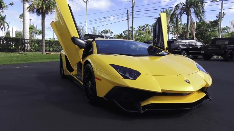 Lamborghini Aventador SV LP 750-4 Superveloce Start Up Revs Interior Exterior at