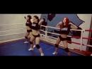 Трое сексуальных девушек танцуют тверкThree Hot Young Girls dancing Sexy TWERK