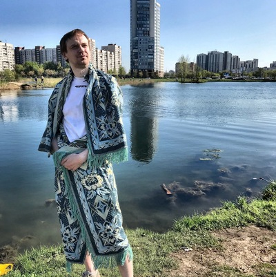 Антон Михайлов