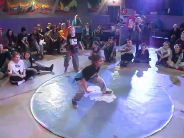 НГ батлы 2017 Орфей Тирасполь Hip-Hop kids 1-4 - UlitkaHipster vs ЛераМилена