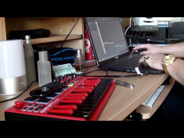 MAKING A BEAT WITH THE AKAI MPK MINI MK2 SPECIAL EDITION IN FL STUDIO 12