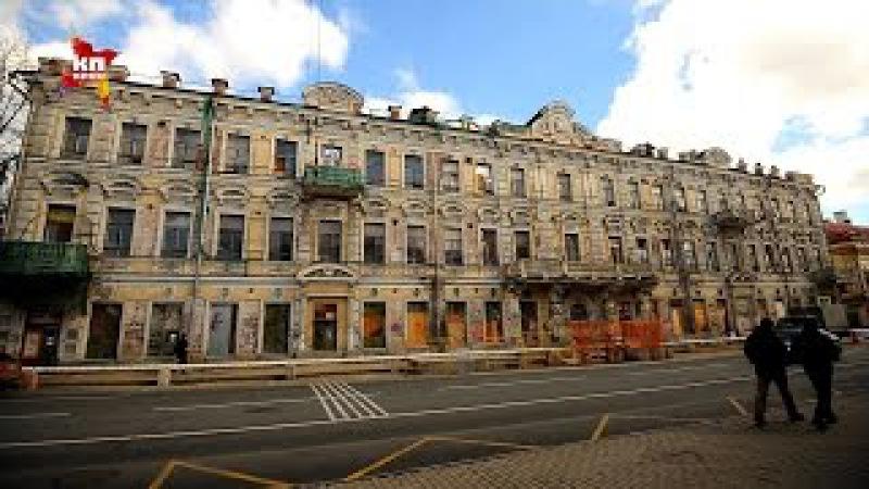 Знаменитый дом с Атлантами на Солянке оккупировали вандалы