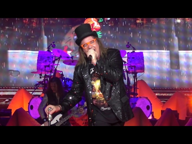 Helloween Perfect Gentelman Live at the Tempodrom in Berlin, Germany on 4 December 2017 » Freewka.com - Смотреть онлайн в хорощем качестве