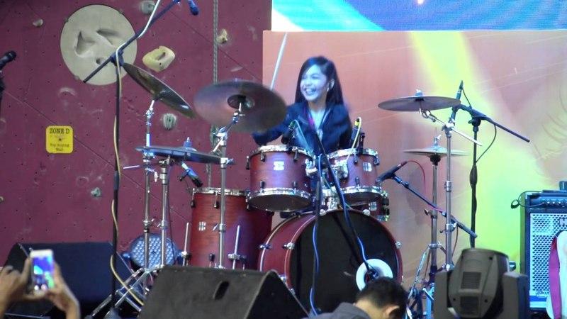 Slipknot - Psychosocial LIVE Drum Cover at Maxis Rockstarz! by Nur Amira Syahira
