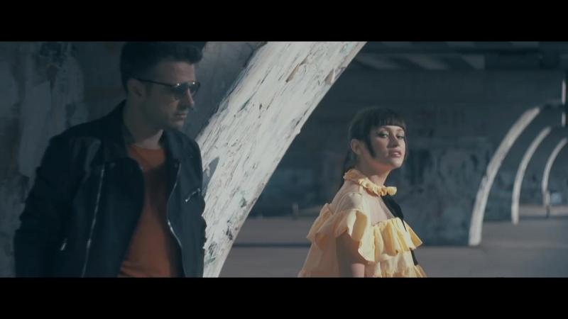 Vunk feat Irina Rimes - Stai Langa Mine {Official Video 1080HD}
