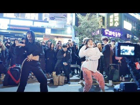 171225 홍대 직캠 4 BABE 베베 HYUNA 현아 여성댄스팀 크리스마스 버스킹