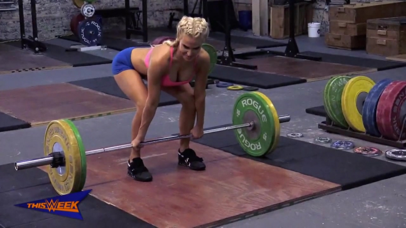 "[WWE QTV]Go behind the scenes of Lanas ""Muscle Fitness Hers"" feature]"