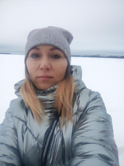 Лена Селиверстова