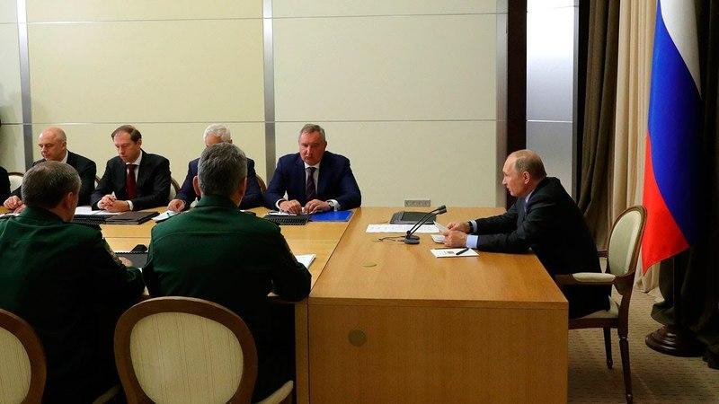 Владимир Путин провел серию совещаний с руководством Минобороны и предприятий ОПК