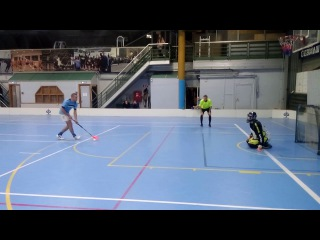 КЛИМОВ  КОНСТАНТИН  ПРОТИВ  ВОДНИКА - УХ  ТЫ  КАК ЗАПРЫГАЛ  ...#флорбол #Floorball  #IFF #ФС2017