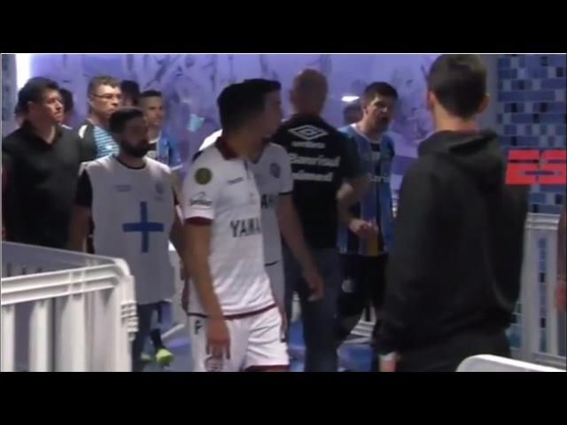 Kanemann fue a increpar a los jugadores de Lanús en el vestuario