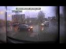 На ЖБИ Lada Kalina после столкновения с трамваем отбросило на Lada Largus