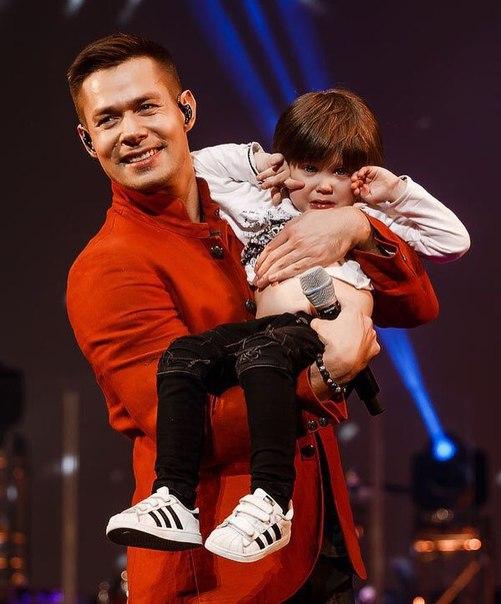 Сын Стаса Пьехи Петр дебютировал на сцене вместе с отцом