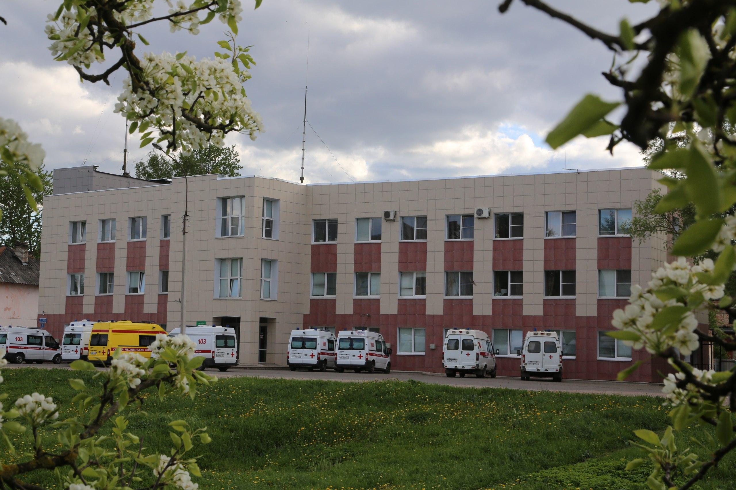 В Новгородской области сотрудники скорой помощи массово увольняются из-за низких зарплат