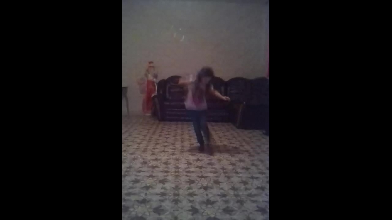 лукреция танцует
