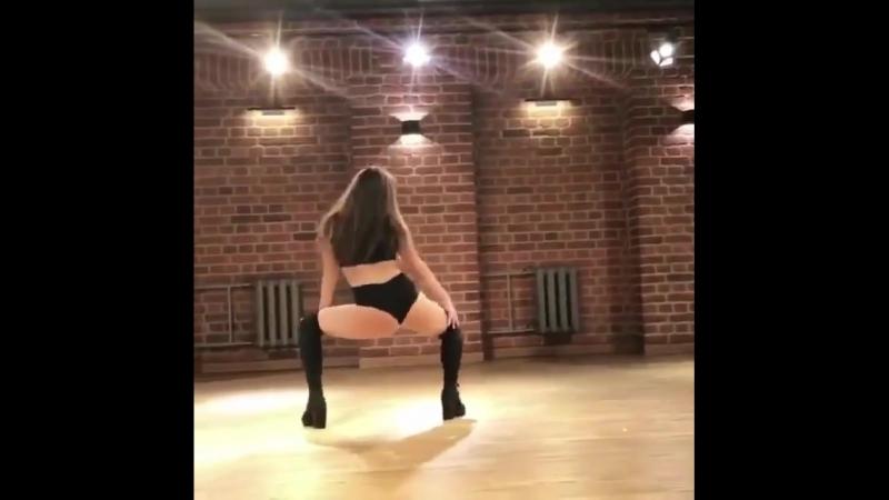 Очень страстный танец