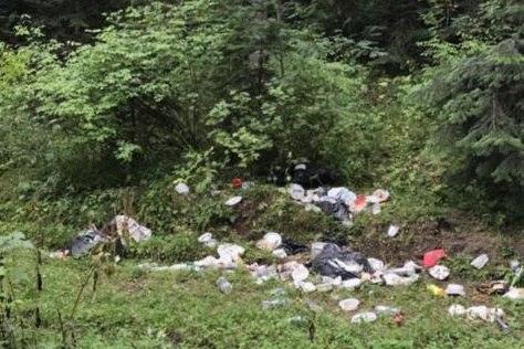 «В Архызе весь лес в мусоре, даже погулять негде»