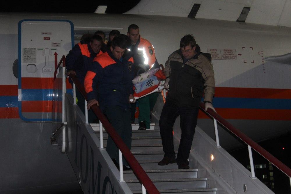 Спецборт МЧС доставил тяжелобольного мужчину из Москвы в Томск