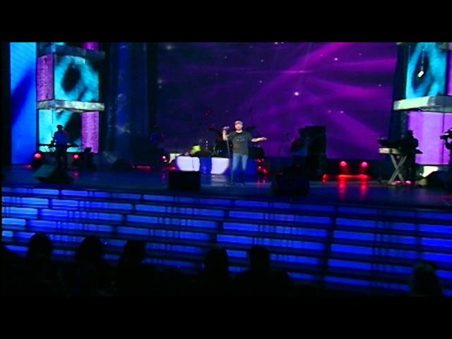 Tata Simonyan - Es sirum em qez Concert in Moscow ©