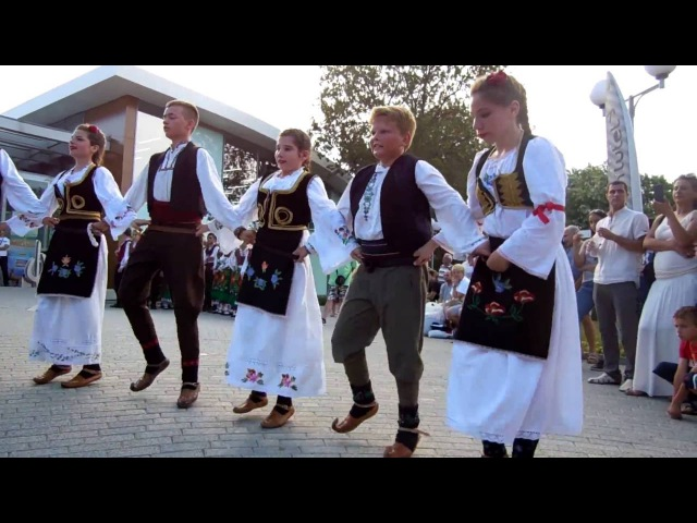 SERBIAN folk dance. Bulgaria Burgas city. СЕРБСКИЙ ТАНЕЦ 2016-07-03