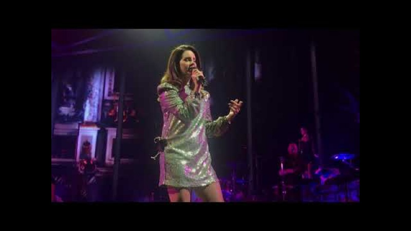 """""""Born To Die"""" - Lana Del Rey LIVE at Mandalay Bay Events Center for the LA To The Moon Tour"""