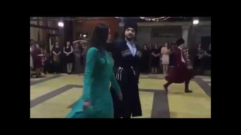 Cherkesi i cherkeshenki - ЧЕРКЕСЫ И ЧЕРКЕШЕНКИ. КБР. КЧР. АДЫГЕЯ