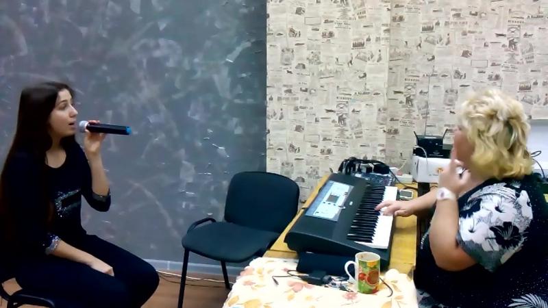 Под музыку Вивальди (реп. 7) ст. - Величанский А., муз - Берковский В. и Никитин С., исп. - Юлия Анатольевна и Аня