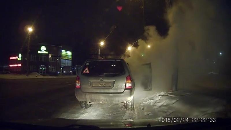 В Смоленске загорелась иномарка на ходу